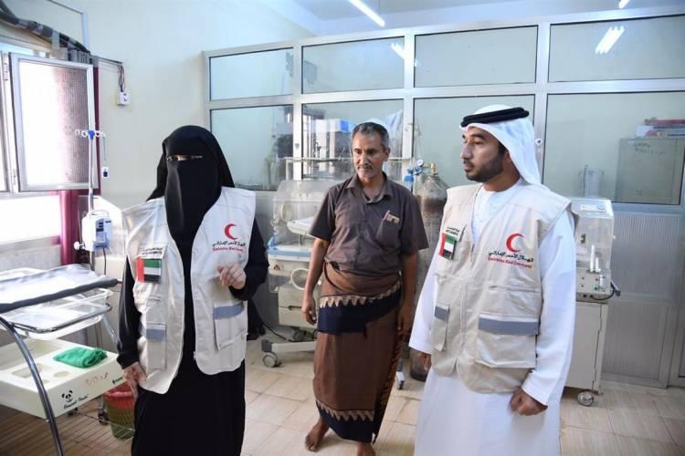 هيئة الهلال الأحمر الإماراتي تقدم اليوم  مساعدات جديدة  في إحدى المنطق المحررة