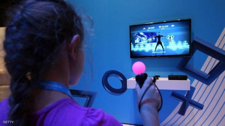"""تحذير """"للبنات فقط"""" من الألعاب الإلكترونية"""