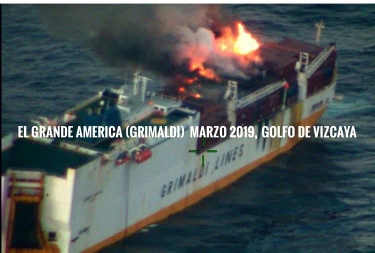 إحتراق سفينة إيطالية في سواحل اسبانيا