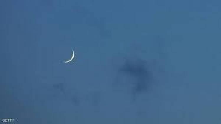 خبير يتحدث عن رؤية هلال رمضان وموعد عيد الفطر