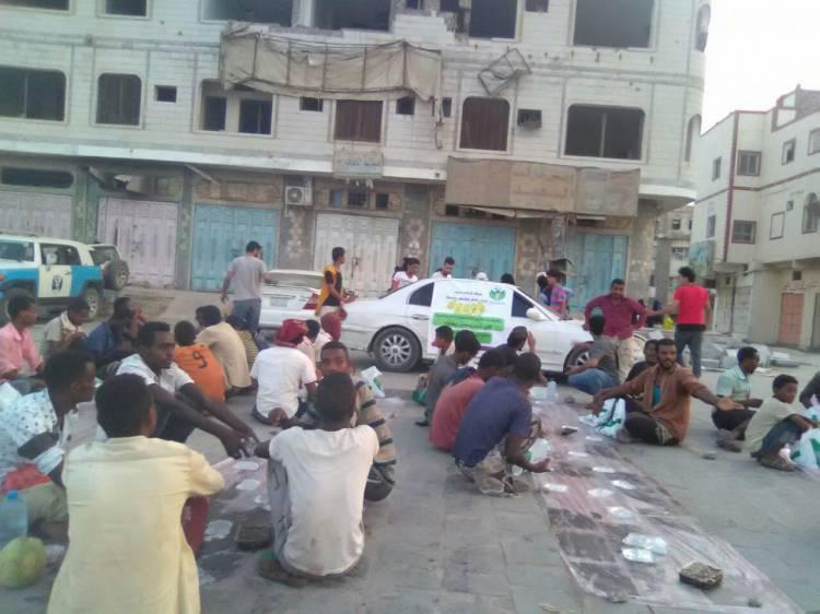 فريق لأجلك نجود وبدعم من مكتب الملك سلمان يقوم بتدشين الإفطار الجماعي للصائم في مدينة صبر