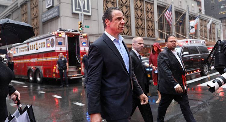 عمدة نيويورك: لا مؤشرات على أن حادث تحطم المروحية في مانهاتن عملا إرهابيا