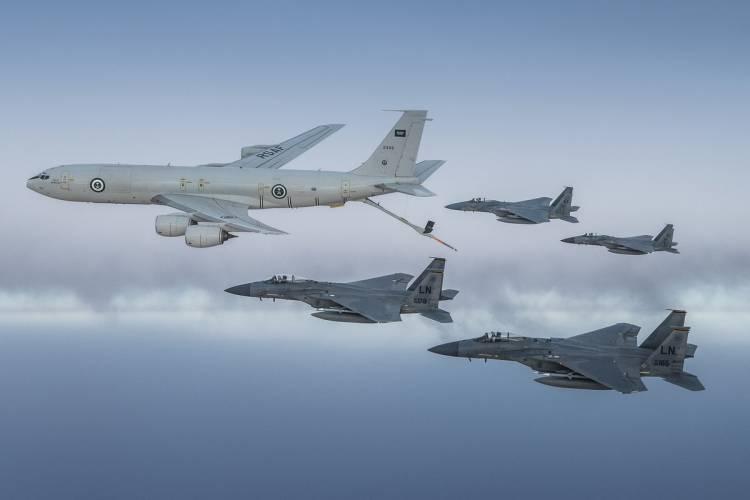 بالفيديو.. طائرات سعودية وأمريكية تحلق فوق الخليج