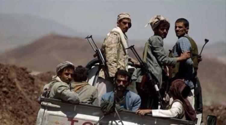 قيادات رفيعة بالشرعية تعلن إنشقاقها وتنضم للحوثيين