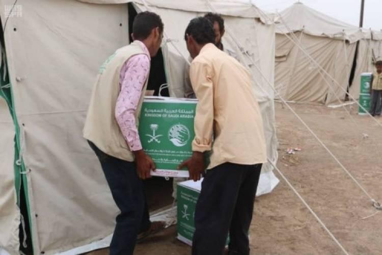 سلمان للإغاثة يوزع ألف سلة غذائية في الخوخة