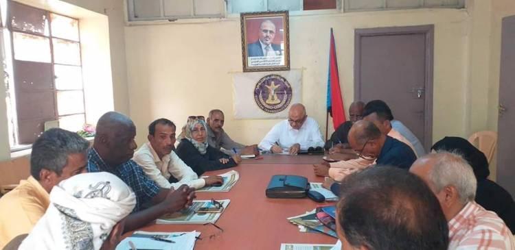 الهيئة التنفيذية لانتقالي العاصمة عدن تعقد اجتماعاً استثنائياً هاماً .