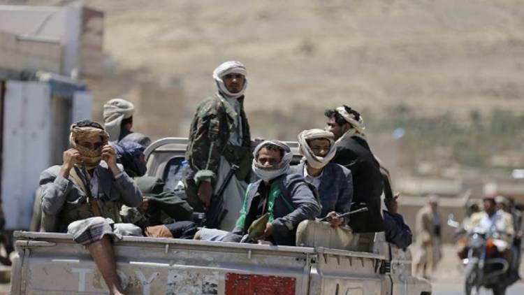 ذمار.. مسلح حوثي يطلق النار على والده بتهمة الولاء للحكومة الشرعية