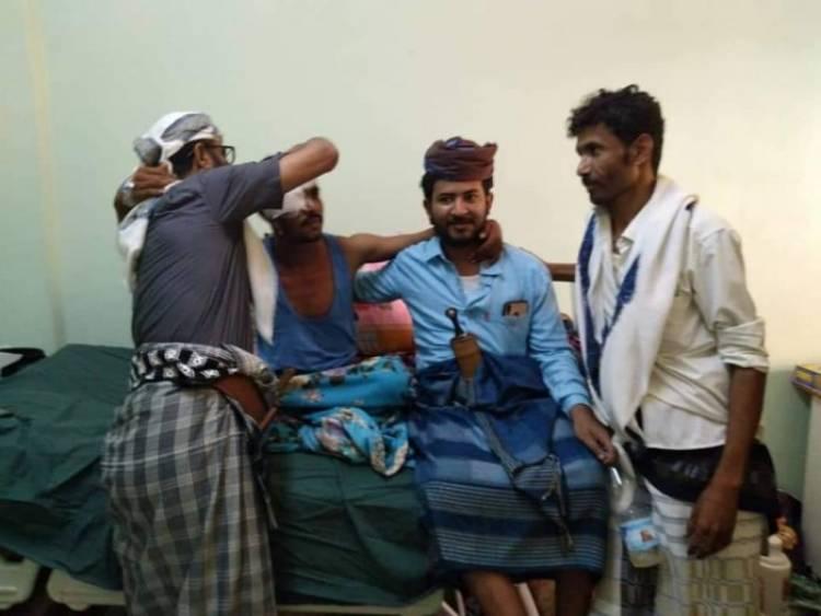 قيادة الحزام الأمني تتفقد الجرحى في مستشفى الجهمورية بعدن