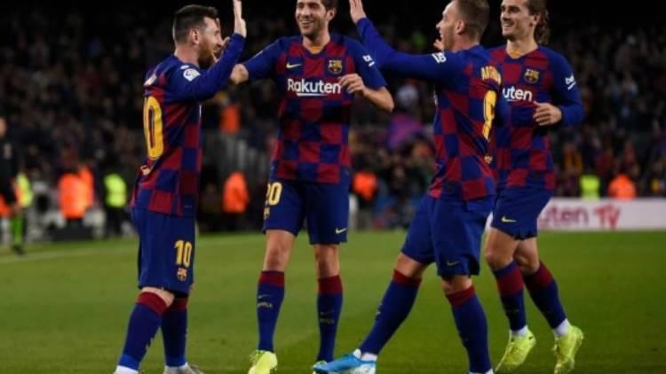برشلونة يضحي بثلاث لاعبين خلال الميركاتو الشتوي