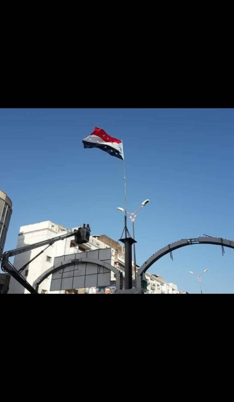 انتقالي المعلا يدشن حملة رفع العلم الجنوبي في المديرية