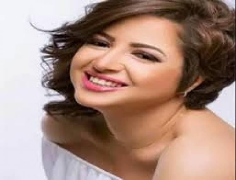 هل انتحرت الفنانة المصرية  منى فاروق... اليكم الحقيقة !!