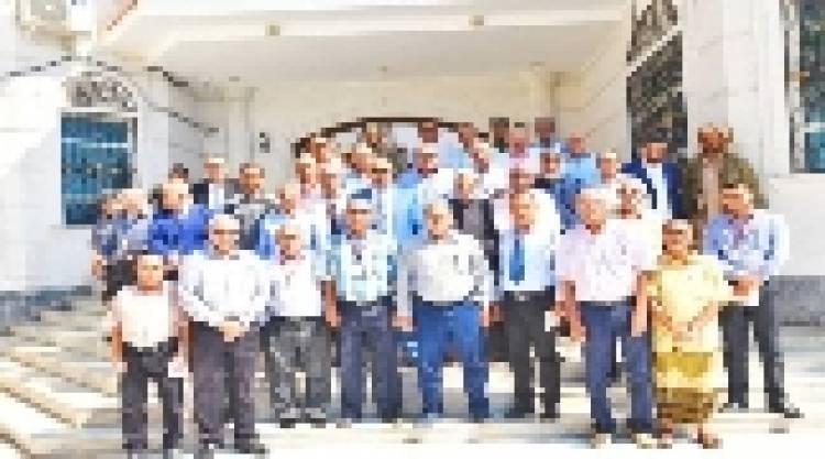 الرئيس القائد عيدروس الزُبيدي يؤكد على أهمية دور المنتديات الثقافية والاجتماعية في إعادة الوجه المشرق للعاصمة عدن