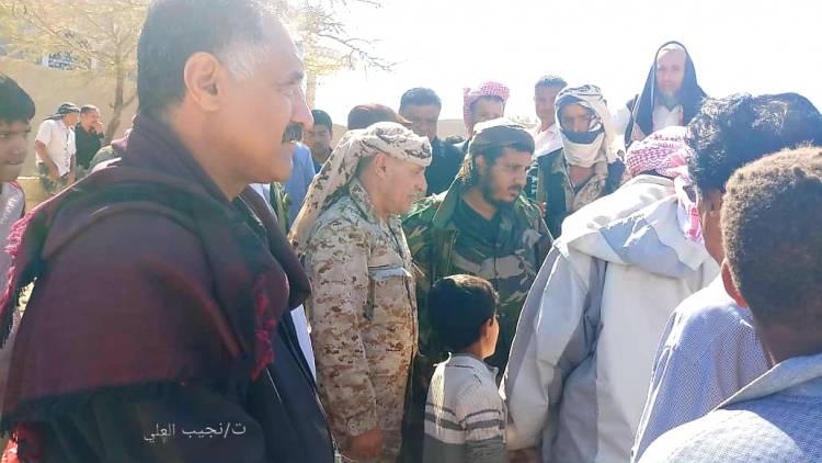 قيادة الانتقالي والسلطة المحلية تتقدم تشييع جثمان أحد الشهداء الأطفال لمجزرة ميدان الصمود