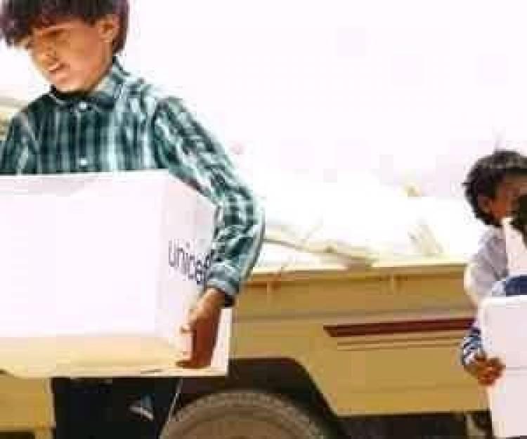 منسق الإغاثة: الحوثيون ينهبون المساعدات لتجويع الشعب في الشمال