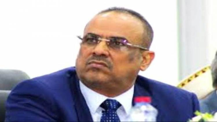 مسؤول في الحكومة يستغرب من تصريحات الميسري التي وجه فيها اتهامات باطلة للتحالف العربي