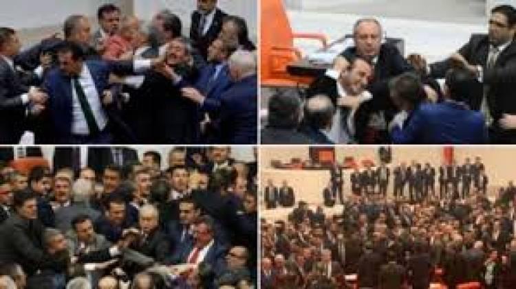 شجار جماعي بين أعضاء البرلمان التركي