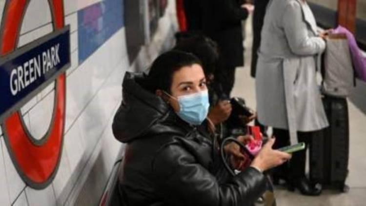 بريطانيا تعلن تسجيل 381 حالة وفاة بكورونا