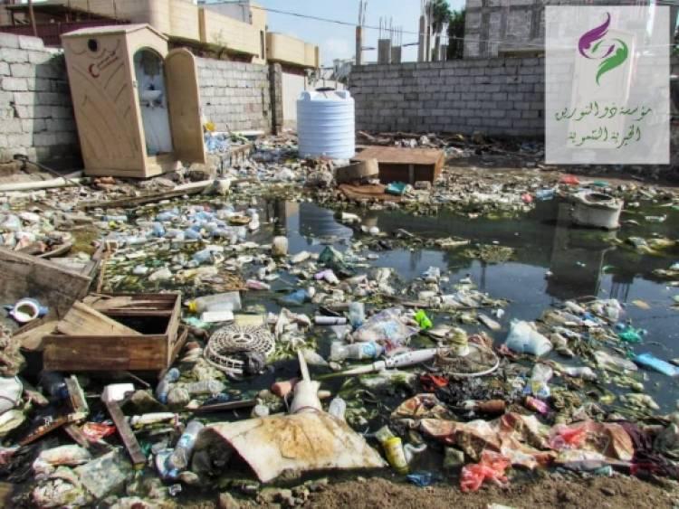 """""""ذو النورين"""" الخيرية التنموية تنفذ حملة تمور جديدة للنازحين بخورمكسر وتكشف عن الوضع الكارثي الناقل للاوبئة القاتلة"""