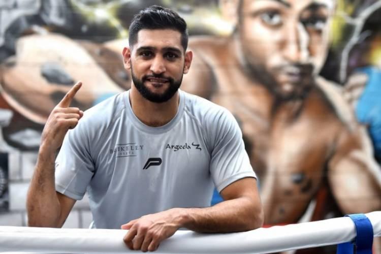 مجلس دبي الرياضي يبحث مع الملاكم أمير خان افتتاح أكاديمية جديدة