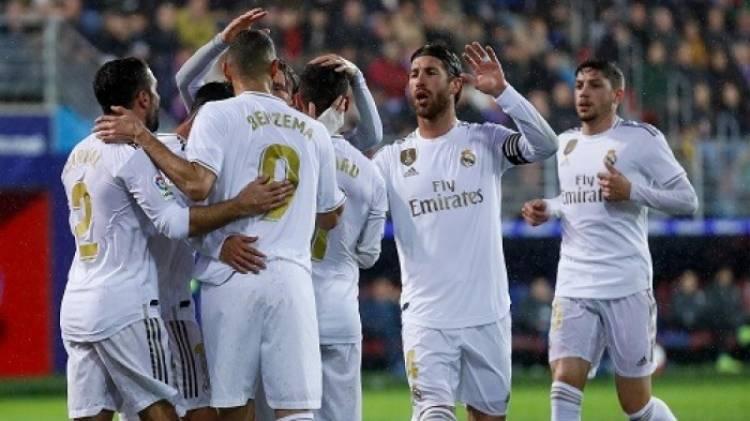 ريال مدريد يحافظ على عرشه العالمي.. وبرشلونة وصيفا