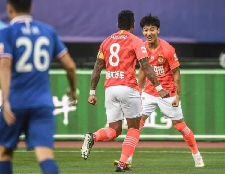 إيفرجراند يكستح آر أف بخماسية نظيفة في الدوري الصيني