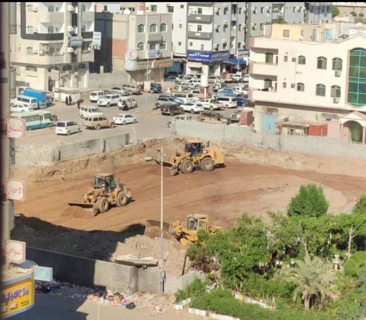 مدير عام المنصورة يطالب قيادة الدعم والإسناد بوقف أي إستحداثات للأرضية الواقعة بشارع السجن المركزي