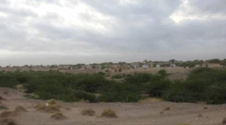 قصف حوثي يستهدف الأحياء السكنية في الجبلية