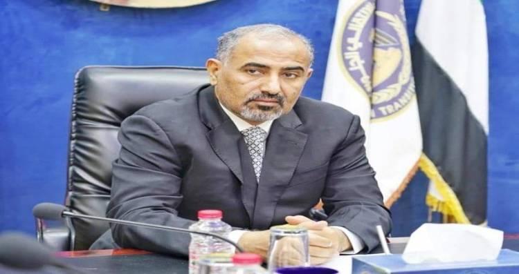 مسئول اعلامي بالانتقالي : ملفات مهمة تنتظر الزبيدي بعد عودته