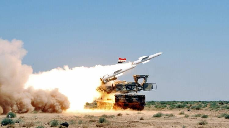 الدفاعات الجوية السورية تتصدى لهجوم صاروخي إسرائيلي استهدف مواقع في محافظتي اللاذقية وحماة