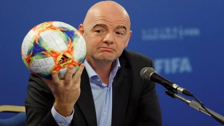 إنفانتينو يبرر توجه الفيفا لتنظيم كأس العالم كل عامين